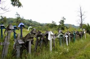 Povestea impresionanta a crucilor valcene, vechi simboluri ale sacrului si profanului