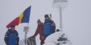 VIDEO Tricolorul pe Varful Parang. Jandarmii montani au arborat drapelul national la peste 2.500 de metri