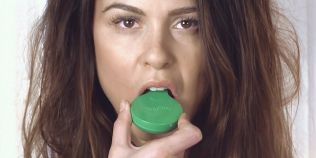 VIDEO Gadget-ul care te anunta cand trebuie sa-ti improspatezi respiratia