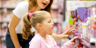 Parintii isi transforma copiii in dependenti de jucarii: de ce ajung cei mici sa se plictisesca tot mai repede de cadouri