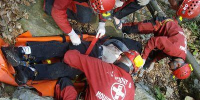 Un fost salvamontist a cazut cu ATV-ul in Muntii Bucegi. Echipe mixte din Dambovita si Brasov au plecat in cautarea lui