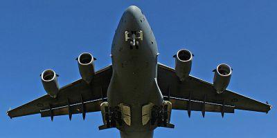Un avion militar a aterizat de urgenta pe Aeroportul Mihail Kogalniceanu. Planul rosu de interventie, activat la Constanta