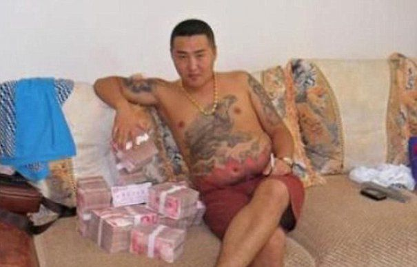 Cocalar de Beijing. Viata unui gangster chinez care epateaza prin NESIMTIRE   GALERIE FOTO