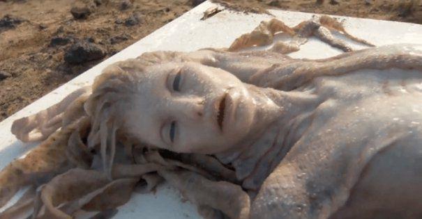 Descoperire MACABRA pe o plaja din Egipt. A fost gasita o SIRENA adevarata. CREATURA marii a SOCAT cu aspectul ei   GALERIE FOTO