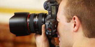 Cum sa iesi mereu bine in poze chiar daca nu esti fotogenic. 6 ponturi oferite de catre un fotograf profesionist