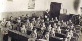 Cum erau organizate scolile in 1800: copiii primeau gratuit penita si hartie, insa parintii plateau taxe scolare