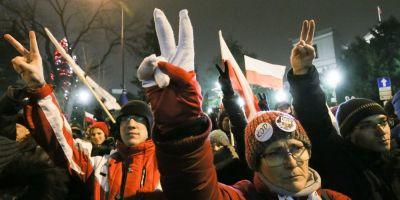 Opozitia poloneza, acuzata ca incearca o lovitura de stat. Presedintele se intalneste cu liderii partidelor parlamentare