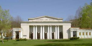 Povestea Muzeului de Etnografie si Arta Populara din Baia Mare. De ce cred localnicii ca seamana cu Casa Alba
