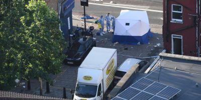 Atacul de la moscheea din Londra, salutat de neonazisti, folosit de islamisti pentru a indemna la razbunare