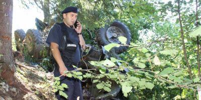 Marturii despre accidentul in care a fost implicat camionul cu militari care a cazut in prapastie: Soferul ar fi sarit din masina