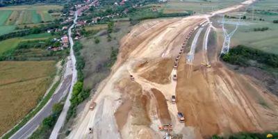 VIDEO Imagini aeriene spectaculoase cu santierul Autostrazii Lugoj - Deva. Cum s-a lucrat pe tronsonul lovit de ghinion