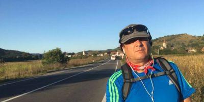 Bataie de joc. Primarul care a mers pe jos de la Sibiu pana la Bucuresti in semn de protest a primit un raspuns de la Guvern care se termina la jumatatea frazei