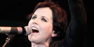 Moartea cantaretei Dolores O'Riordan,