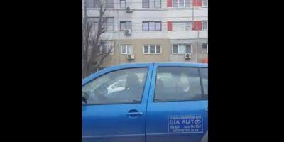 VIDEO Instructor auto, filmat in timp ce conducea masina de pe scaunul din dreapta. Ce risca teribilistul sofer